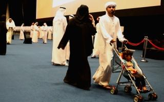 الصورة: كبار السن والأطفال يتصدرون المشهد الانتخابي في أبوظبي
