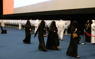 الصورة: حضور كثيف للنساء في آخر أيام التصويت المبكر بأبوظبي