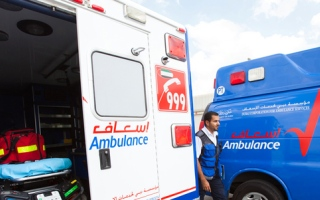 الصورة: مريض يطلب الإسعاف ويحاول مغادرة المستشفى للتصويت