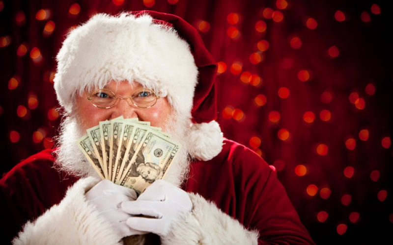 "بالفيديو .. بابا نويل يسرق مطعم ""KFC"""
