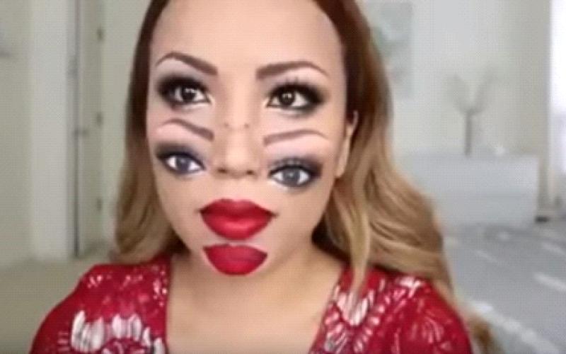 الصورة: بالفيديو.. فتاة تمتلك 4 عيون وشفتين!!