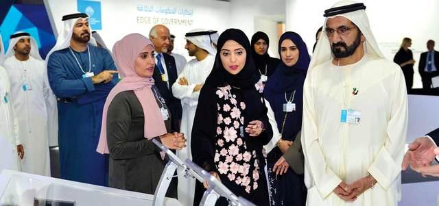 محمد بن راشد خلال زيارته فعالية «ابتكارات الحكومات الخلاقة». وام