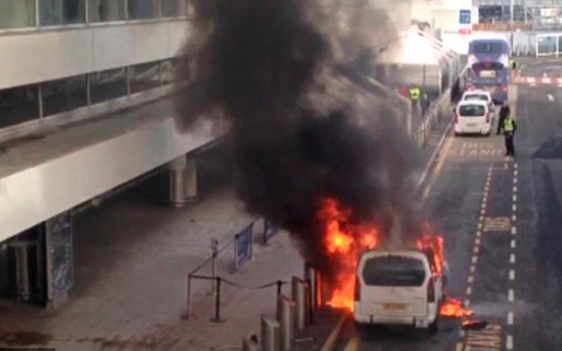 بالفيديو.. حريق يحول سيارة إلى كتلة لهب