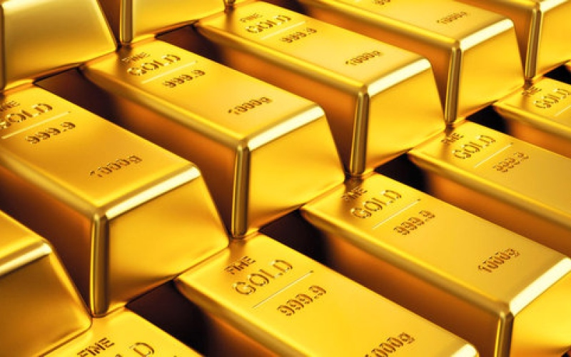 الذهب يتخلَّى عن مكاسبه.. ويتراجع 0.4%