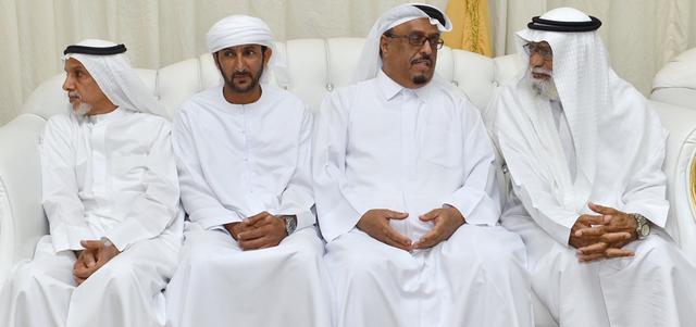 محمد بن راشد يقدم واجب العزاء بوفاة محمد خلفان بن خرباش حياتنا جهات الإمارات اليوم