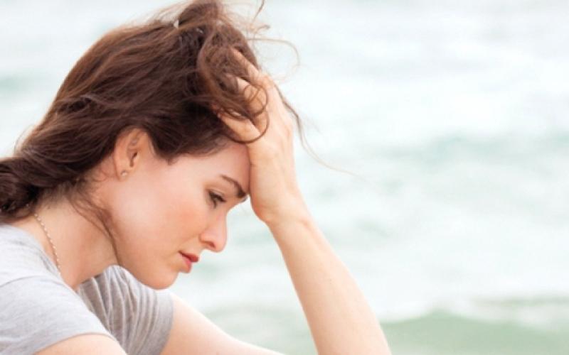 الصورة: (انفوغرافيك).. 10 نصائح لجمال المرأة الأربعينية