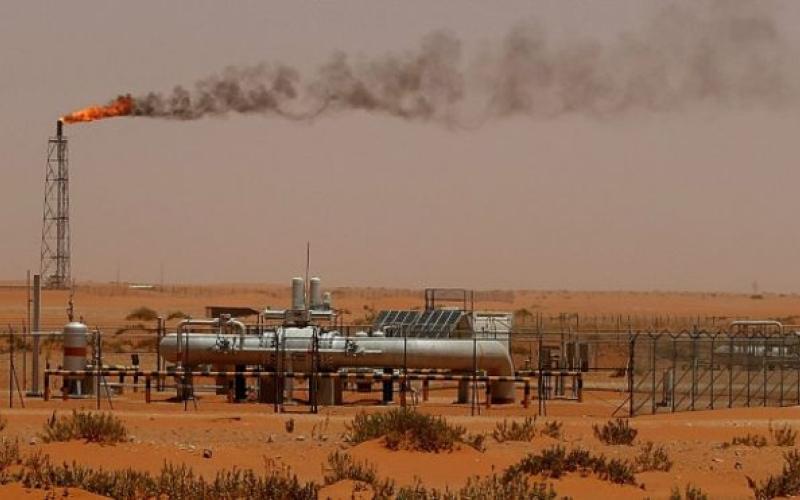 أسعار النفط تسجل تراجعاً كبيراً غداة فشل اجتماع الدوحة
