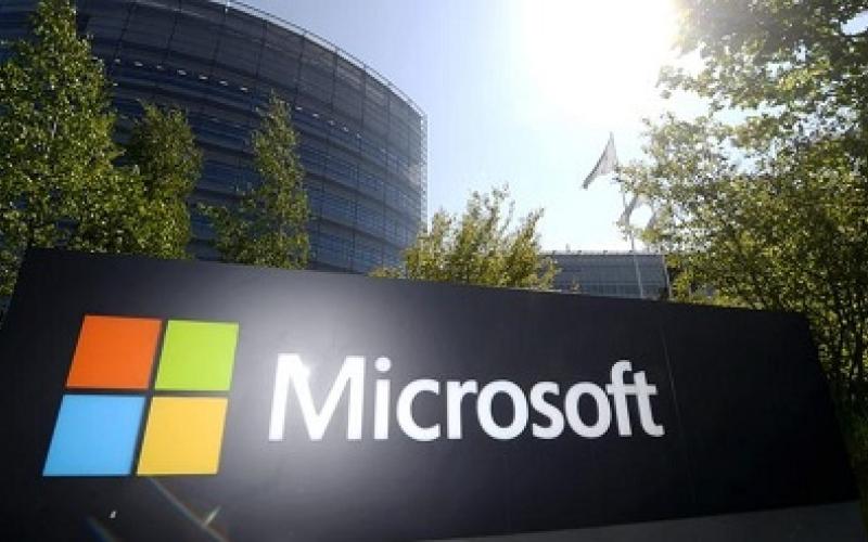 """""""مايكروسوفت"""" تشتري """"لينكد إن"""" بمليارات الدولارات"""