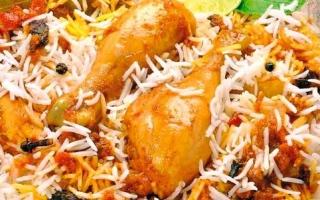 الصورة: مطبخ رمضان : «تحتة دجاج» بنكهة إماراتية تقليدية