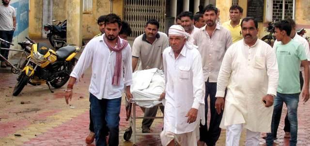 مزارعون متضررون من الصواعق يطالبون الحكومة الهـندية باتخاذ إجراءات