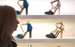 مصانع الأحذية البريطانية تستغل عمالاً من شرق أوروبا
