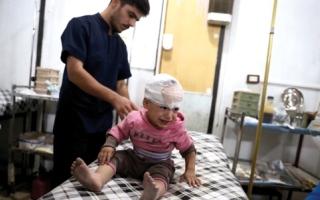 26 قتيلاً بينهـم 11 طفلاً بغـارات على مدرسـة ومحيطـها بريــف إدلب