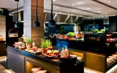 """الصورة: """"لو ميريديان"""" دبي يكشف الستار عن مطعم يولامبا بحلته الجديدة"""