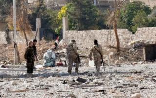 المعارضة تستهدف مطار حماة..والنظام يمهلها بحلب