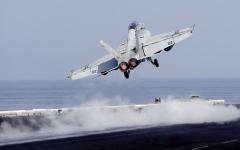الصورة: هجوم فيروس كورونا على حاملة طائرات أمريكية وإصابة 4000 بحار
