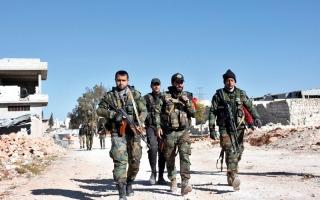 النظام يكثـف قصف حلــب.. وعائلات تحاول الفرار من الأحياء المحـــاصرة