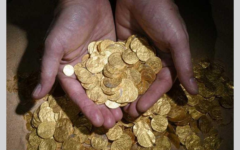 الصورة: الذهب يلامس أعلى مستوى في نحو 7 أسابيع