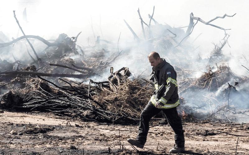 إسرائيل ترد على الحرائق بالتوسع الاستيطاني في الضفة
