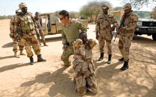 خبيرة فرنسية: إفريقيا أصبحت مختبراً للجيش الأميركي