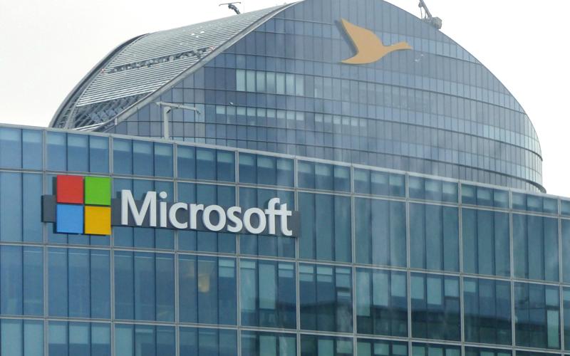 «مايكروسوفت» تستكمل «الانــقلاب الأكبر» بعضويتها في «لينكس»