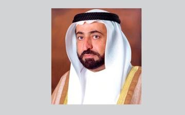 حاكم الشارقة يزورعددا من المعارض التاريخية والفنية في معهد العالم العربي بباريس