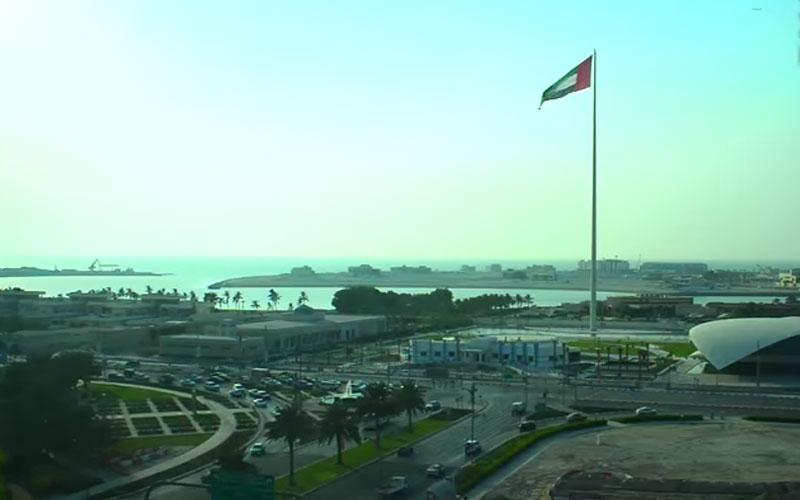 """الصورة: شاهد.. """"متحدون مع الإمارات"""" رسالة مقيمي الدولة في يوم الشهيد"""