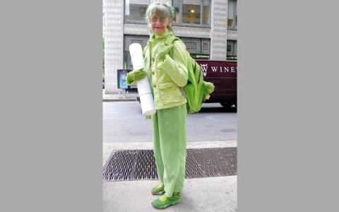 أميركية ترتدي اللون الأخضر فقط منذ 20 عاماً
