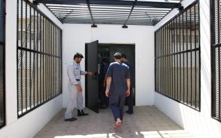 الصورة: سداد 1.7 مليون درهم مديونية 25 نزيلاً في سجون الدولة