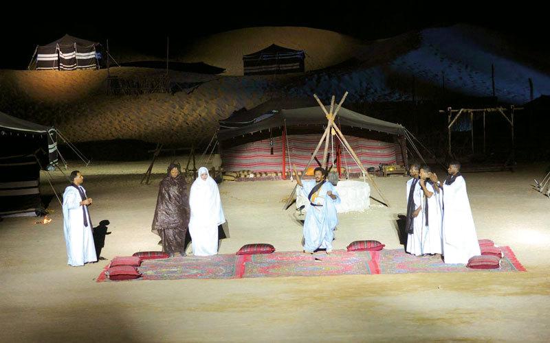 عروض المسرح الصحراوي تستمر 5 ليالٍ.  أرشيفية