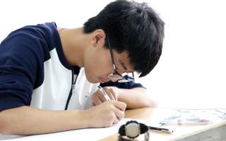 الانتحار سمة مميزة في امتحان «غاوكاو»
