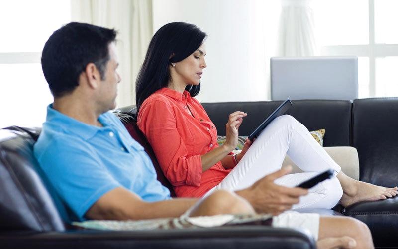 دراسة: الإفراط في تصفح «فيس بوك» أثناء إجازة   عيد الميلاد يسبب التعاسة