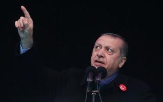 أردوغان يتهم أميركا بدعم «داعش» في سورية.. وواشنطن تنفي