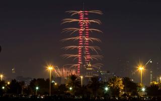 """احتفالات دبي بقدوم العام الجديد... بطريقة الـ""""Time Lapse"""""""