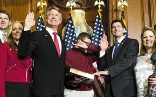 حركات راقصة تفسد هيبة مراسم القسم في الكونغرس الأميركي