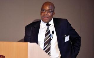 وزير الصحة في جنوب إفريقيا متهم بسرقة بحث علمي