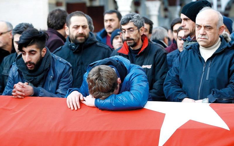 أوساط تركية تحذّر من مؤامرة خارجية لزعزعة الاستقرار
