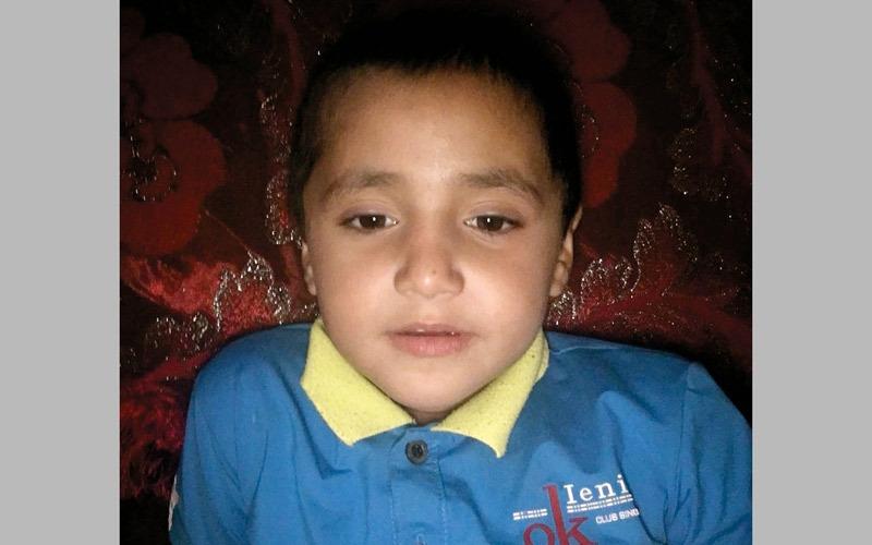 سرطان الدم يحرم «محمد» من طفولته