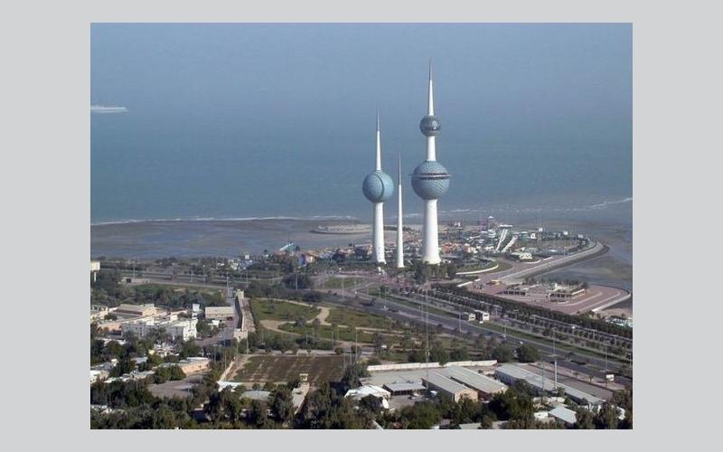 الكويت تنفي عرضها كميات إضافية من النفط وتؤكد التزام باتفاق خفض الانتاج
