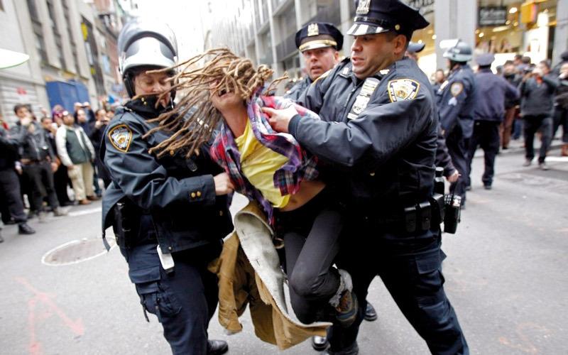 الشرطة الأميركية: قتل السود واحتجاجاتهم زادا التوترات