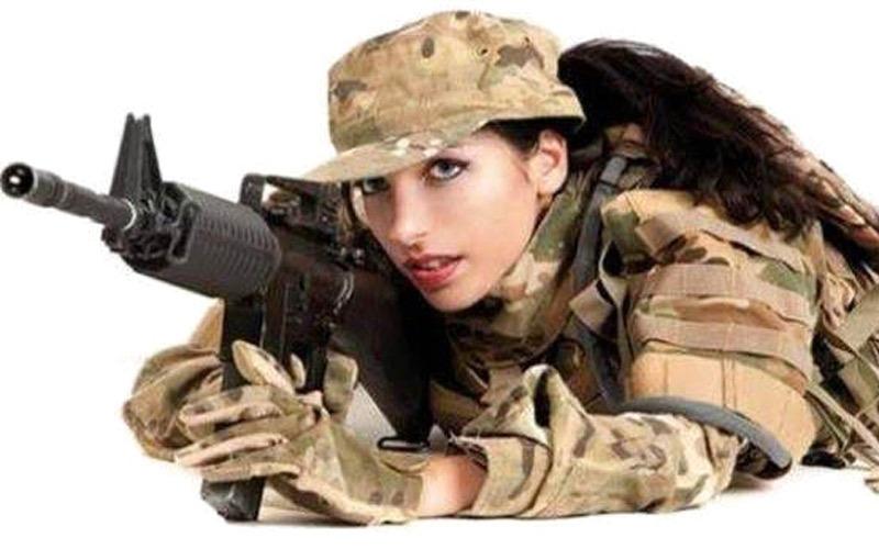 تجدّد معركة تجنيد الفتيات في الجيش بعد عودة الخدمة العامة
