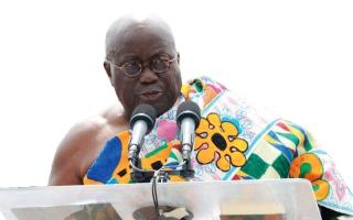 رئيس غانا الجديد يسرق من خطابين لرئيسين أميركيين في خطاب تنصيبه