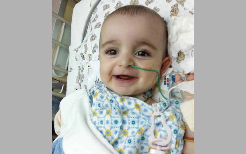 «أبوفاطمة» يعجز عن سداد كلفة علاج مولودته