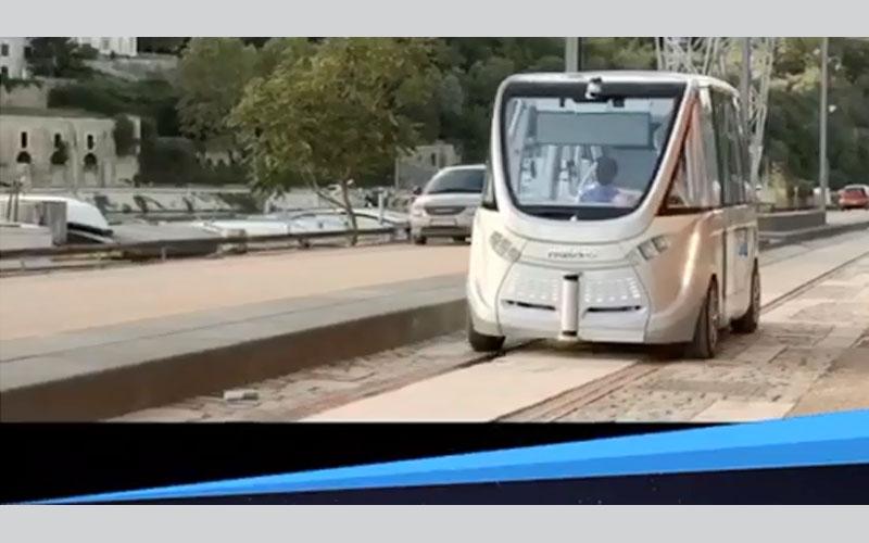 بالفيديو.. حافلة ذاتية القيادة تحدد مكان توجهها من خلال الهاتف الذكي