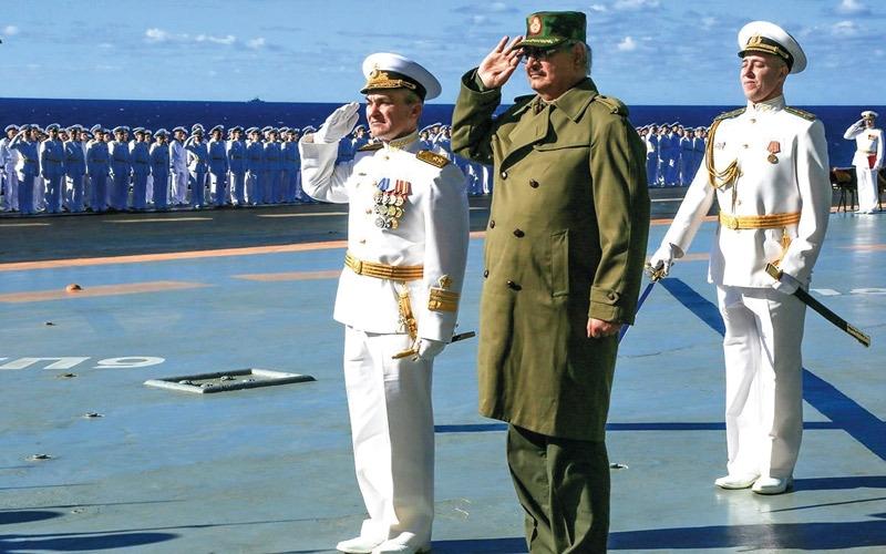 أنظار روسيا تتجه إلى ليبيا باستعراض دعمها لحــفتر