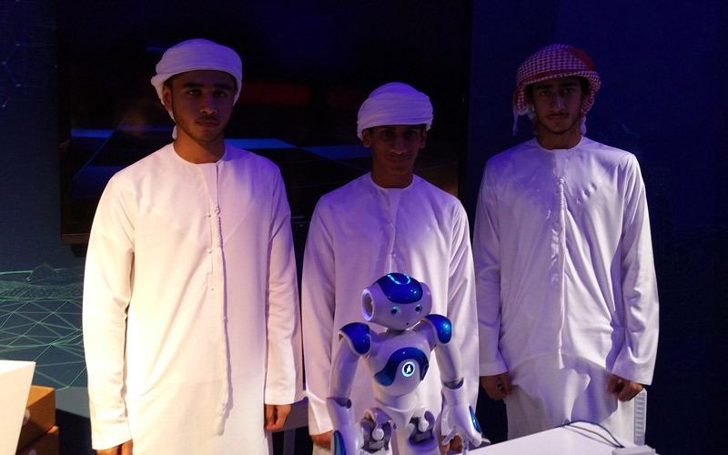 «تنفيذي دبي» يتبنّى 3 ابتكارات طلابية ذكية ويوصلها إلى جهـات حكومية