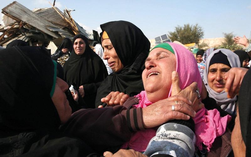 شهيد وإصابات.. ومقتل شرطي إسرائيلي في النقب