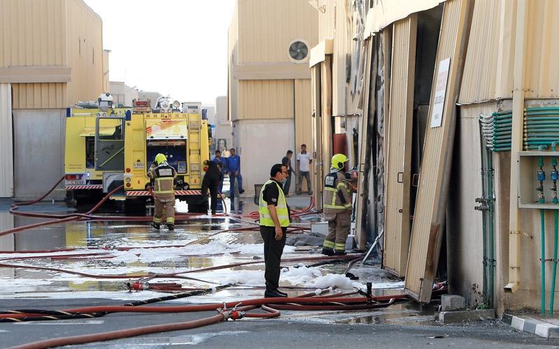 حريق في 3 مستودعات بـ «دبي للاستثمار»