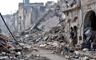 النظام يواصل قصف بردى.. وغارات في حلب وحمص