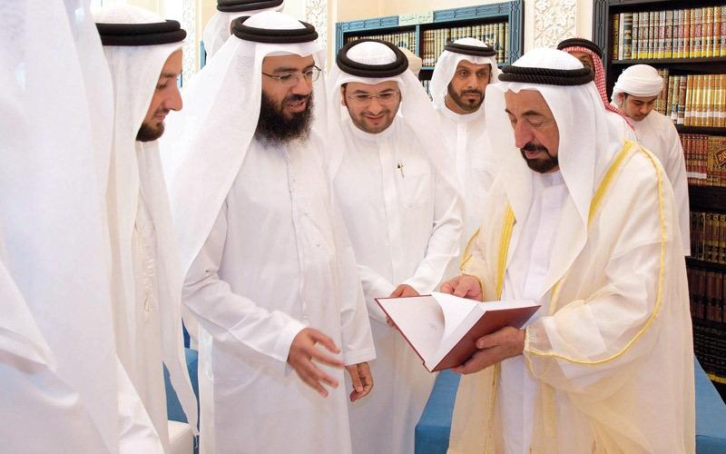 حاكم الشارقة يدشن مشروع مكتبات المساجد