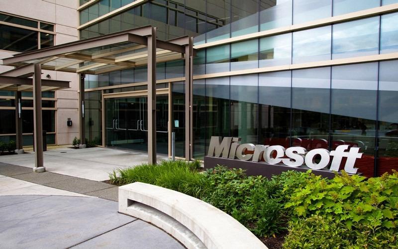 الصورة: شكوك حول قدرة «مايكروسوفت» على الخروج من عثرتها بالحوسبة المحمولة